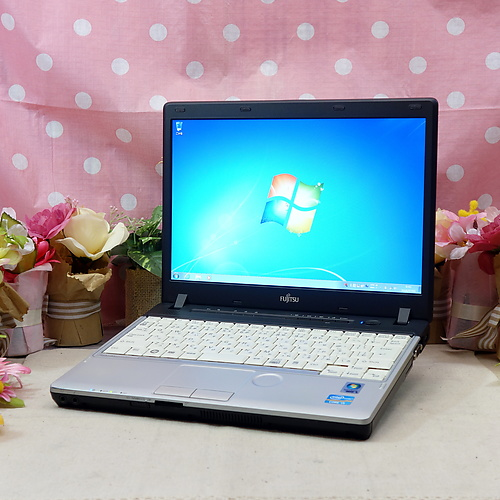 LIFEBOOK P771/C [C品] (Core-i5 2.50GHz/4GB/320GB/ドライブレス/Windows7Pro64bit/12.1インチ/無線LAN)